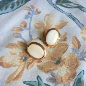 Genuine Vtg. Shell/Stone Gold-Colored Stud Earring